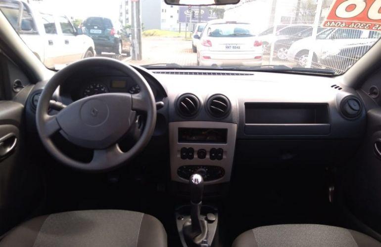 Renault Logan Expression 1.6 8V - Foto #10