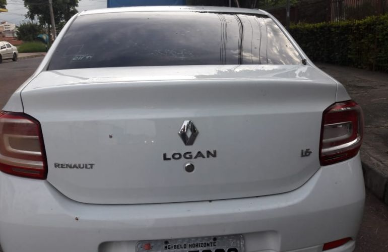 Renault Logan Expression 1.6 8V - Foto #3