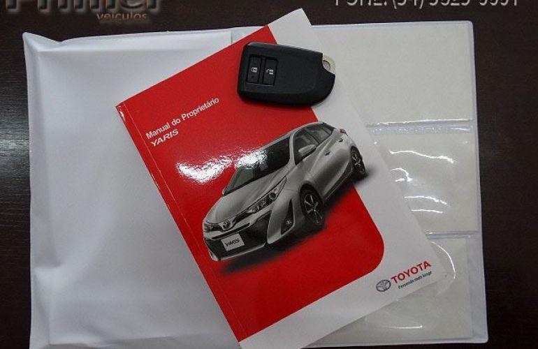 Toyota Yaris HB XLS15 - Foto #8