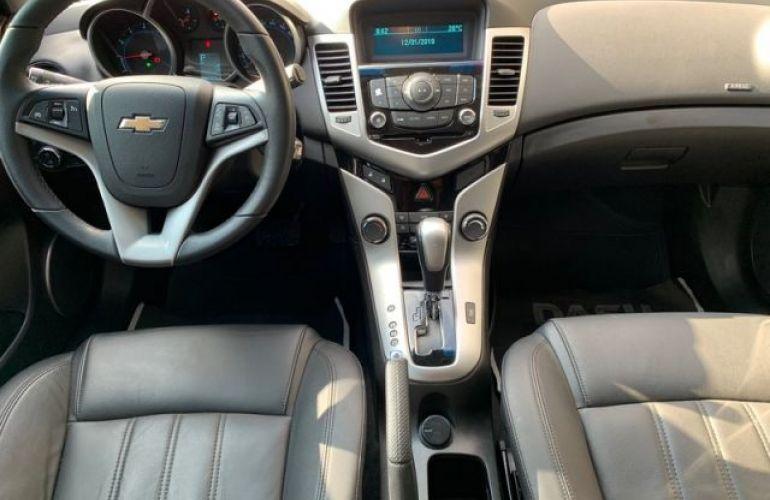 Chevrolet Cruze Sport6 LT 1.8 Ecotec 6 16V - Foto #5