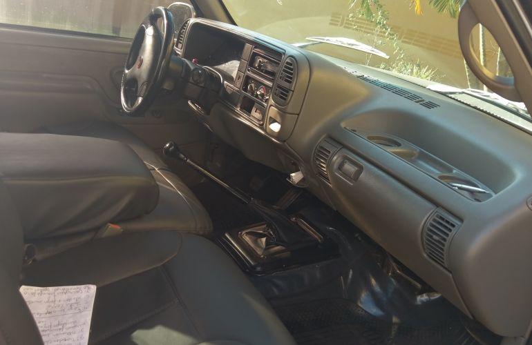 Chevrolet Silverado Pick Up DLX 4.2 - Foto #3