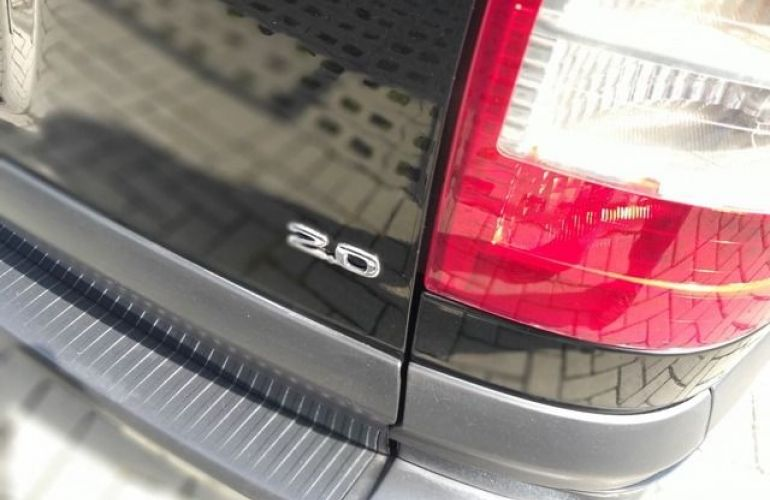 Chevrolet Zafira Elegance 2.0 Mpfi 8V Flexpower - Foto #5