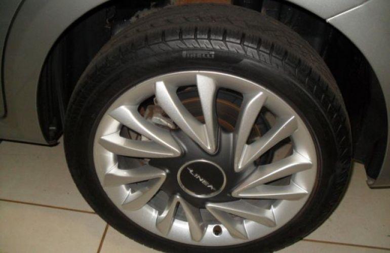 Fiat Linea Absolute Dualogic 1.8 16V Flex - Foto #8