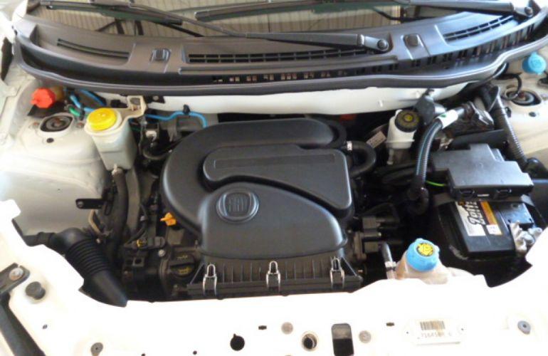 Fiat Uno Attractive 1.0 8V (Flex) 4p - Foto #8