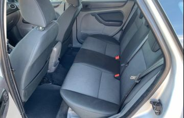 Ford Focus Hatch GLX 1.6 8V - Foto #7