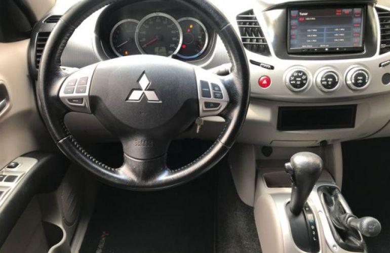 Mitsubishi L200 Triton 4X4 Cabine Dupla 3.5 V6 24V Flex - Foto #6