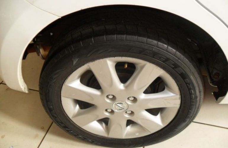 Nissan March SV 1.6 16V Flex - Foto #8