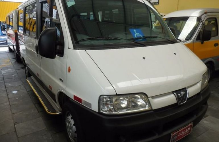 Peugeot Boxer 330 Van 16 Lugares 2.3 HDi 8V - Foto #3