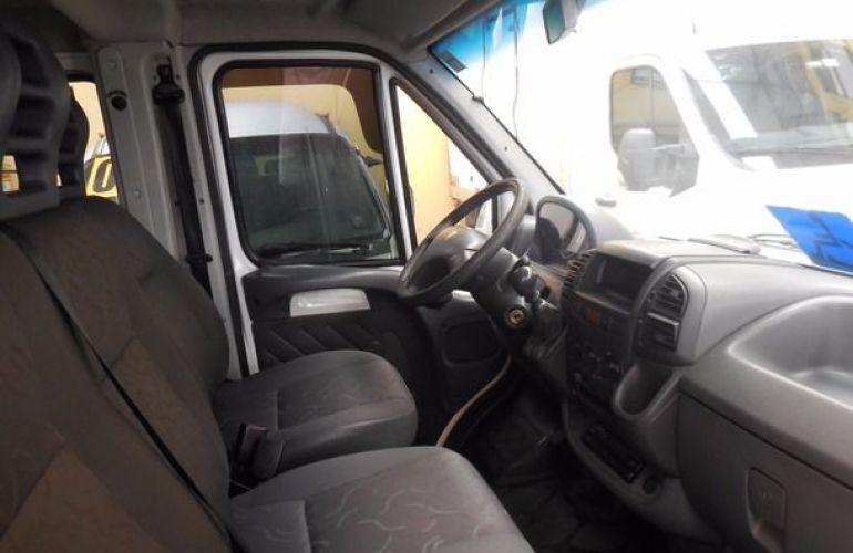 Peugeot Boxer 330 Van 16 Lugares 2.3 HDi 8V - Foto #8