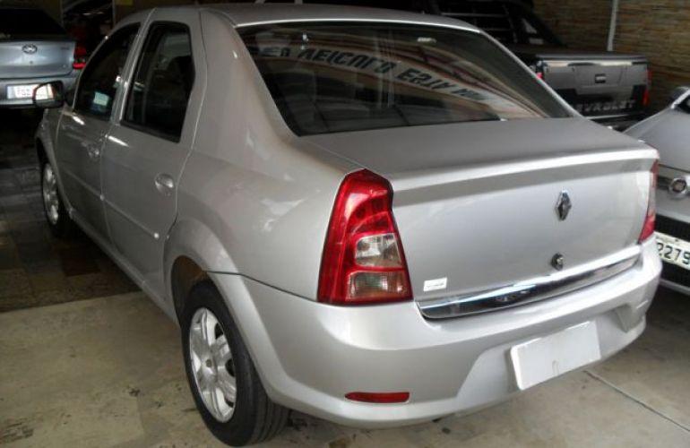 Renault Logan Expression 1.6 16V Hi-Flex - Foto #9