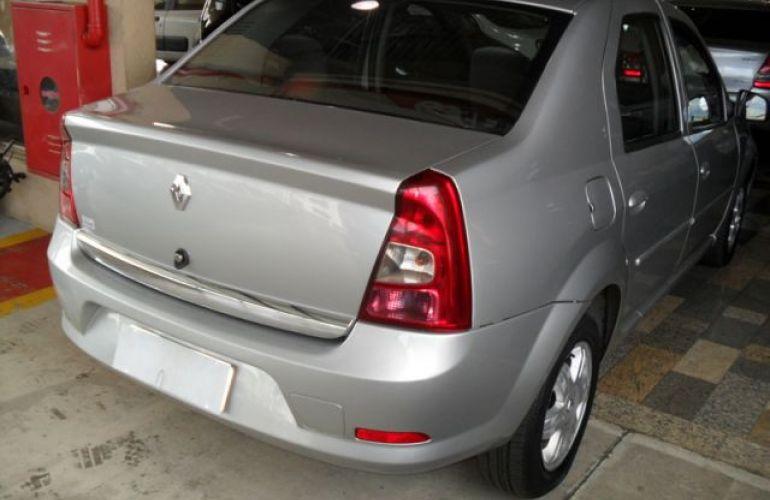Renault Logan Expression 1.6 16V Hi-Flex - Foto #10