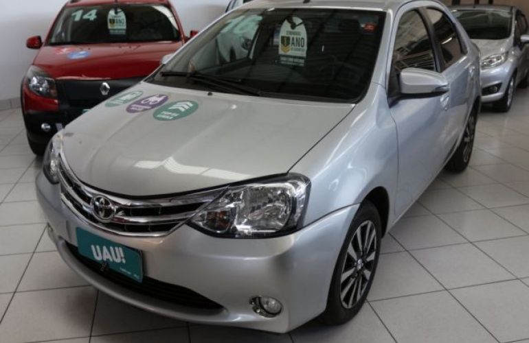 Toyota Etios Platinum 1.5 16V Flex - Foto #1