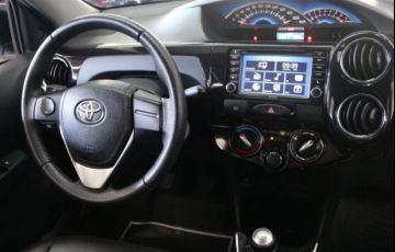Toyota Etios Platinum 1.5 16V Flex - Foto #6
