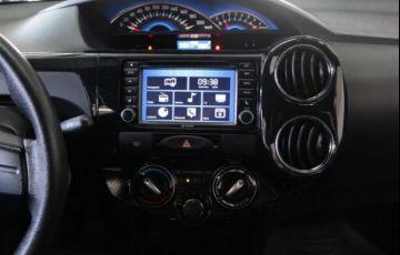 Toyota Etios Platinum 1.5 16V Flex - Foto #7