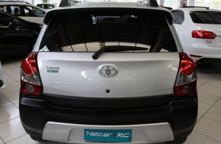 Toyota Etios Cross 1.5 16V DOHC Flex - Foto #6
