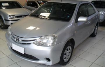 Toyota Etios Sedan XS 1.5 16V Flex - Foto #2