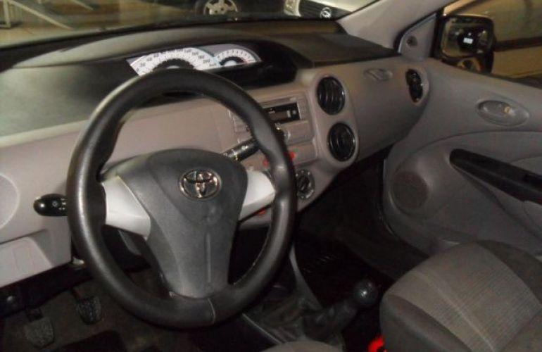 Toyota Etios Sedan XS 1.5 16V Flex - Foto #4