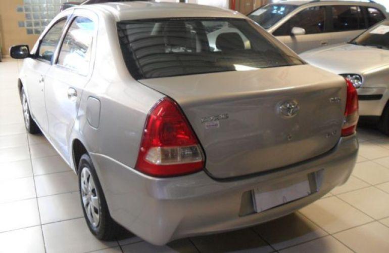 Toyota Etios Sedan XS 1.5 16V Flex - Foto #8
