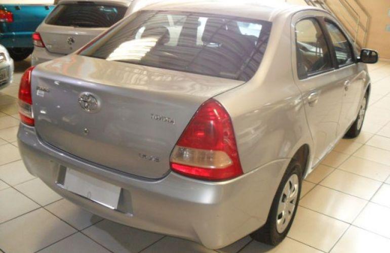 Toyota Etios Sedan XS 1.5 16V Flex - Foto #9