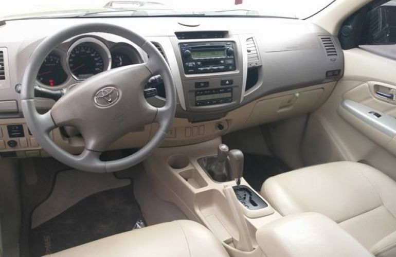 Toyota Hilux SW4 SRV 4X4 5 Lugares 3.0 Turbo Intercooler 16V - Foto #2