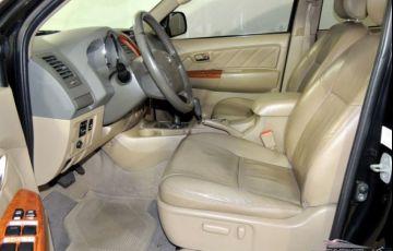 Toyota SW4 SRV 4X4 7 Lugares 3.0 Turbo Intercooler 16V - Foto #8
