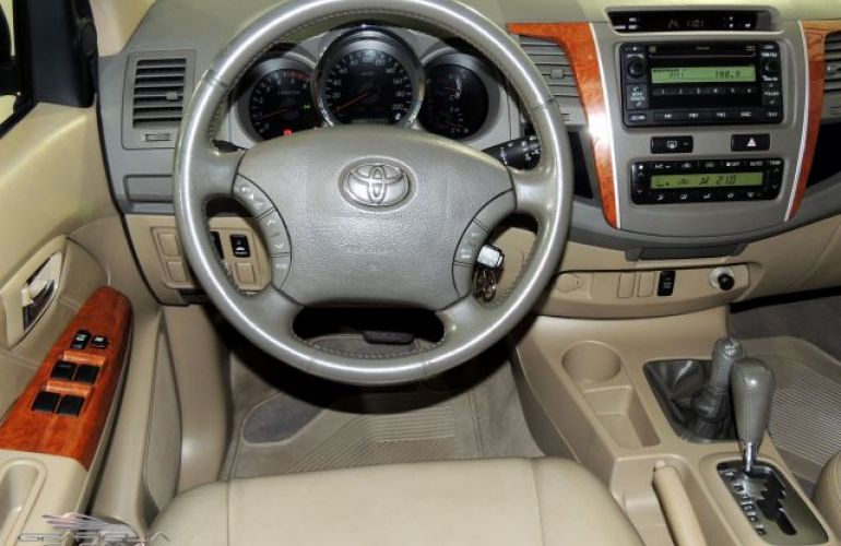 Toyota SW4 SRV 4X4 7 Lugares 3.0 Turbo Intercooler 16V - Foto #10
