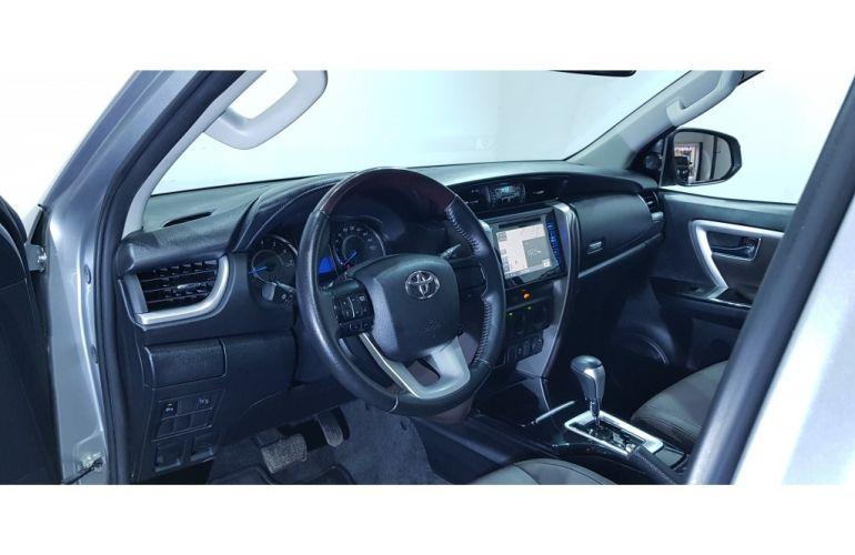 Toyota Hilux SW4 2.7 4x2 SR - Foto #2