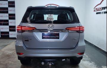 Toyota Hilux SW4 2.7 4x2 SR - Foto #3