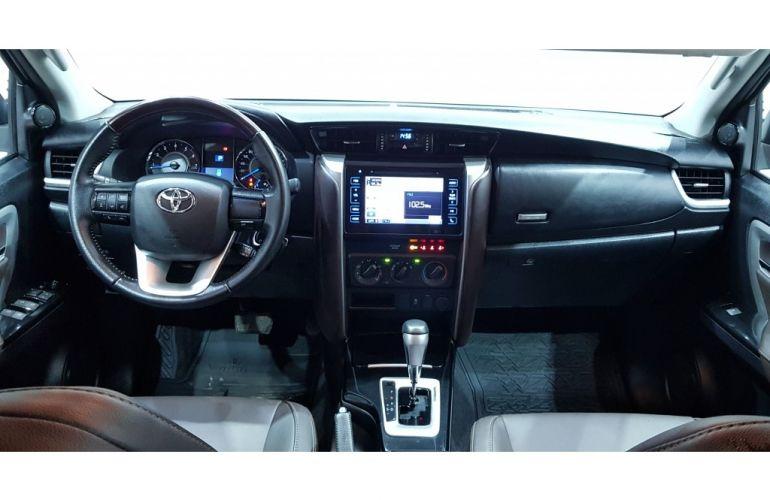 Toyota Hilux SW4 2.7 4x2 SR - Foto #10
