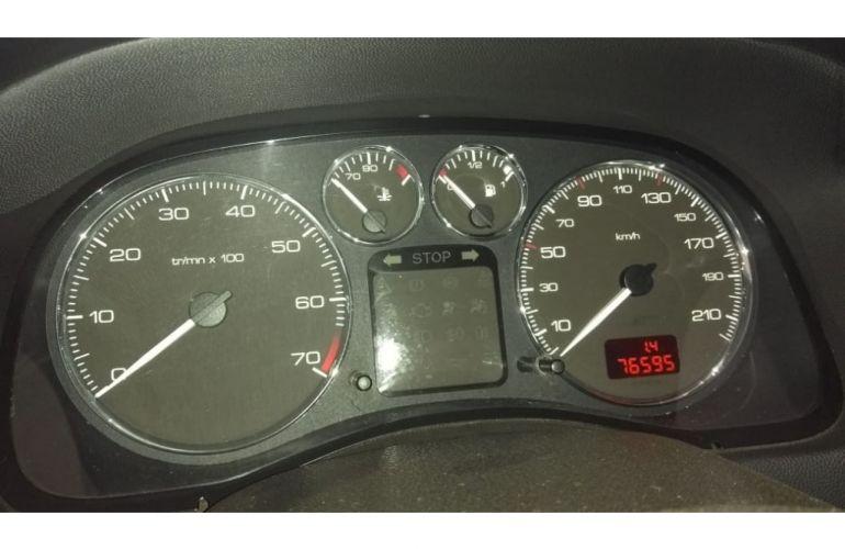Peugeot 307 Sedan Presence 1.6 16V (flex) - Foto #3