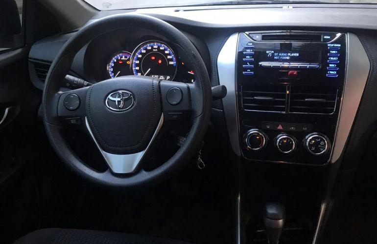 Toyota Yaris Sedan 1.5 XL (Flex) - Foto #5