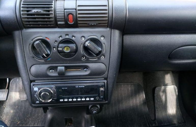 Chevrolet Corsa Sedan Super Milenium 1.0 MPFi 16V - Foto #8
