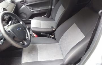 Ford Fiesta Hatch 1.0 (Flex) - Foto #5
