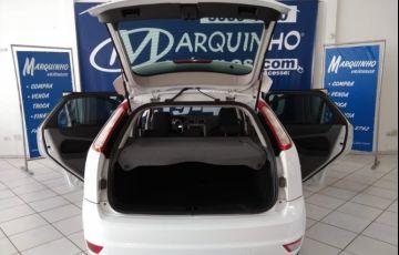 Ford Focus Hatch 1.8 16V - Foto #8