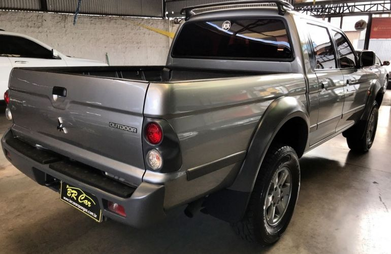 Mitsubishi L 200 Outdoor GLS 4x4 2.5 (cab. dupla) - Foto #4