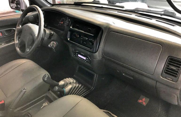Mitsubishi L 200 Outdoor GLS 4x4 2.5 (cab. dupla) - Foto #9