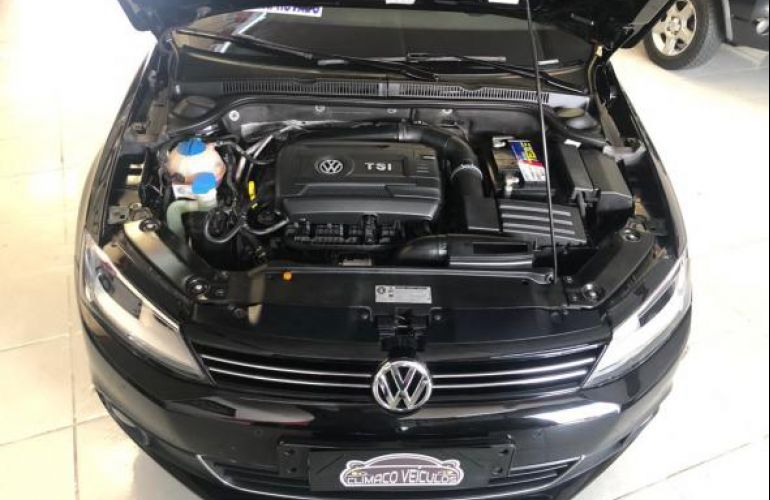 Volkswagen Jetta 2.0 TSI Highline DSG - Foto #6