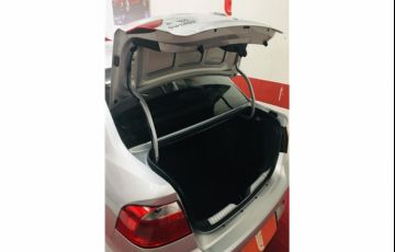 Volkswagen Voyage 1.6 Msi Totalflex Trendline 4p Manual - Foto #4