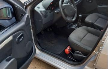 Renault Logan Expression 1.6 8V Hi-Torque (flex) - Foto #5