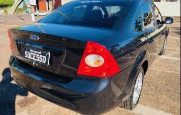 Ford Focus Sedan 2.0 16V - Foto #3