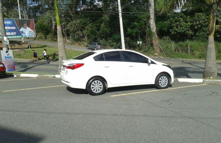 Hyundai HB20S 1.6 Comfort Plus (Aut) - Foto #2