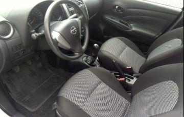 Nissan Versa 1.0 12V (Flex) - Foto #7
