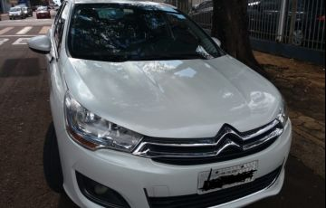 Citroën C4 Lounge Exclusive 2.0i (Aut) - Foto #2