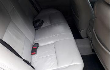 Toyota Corolla Sedan XLi 1.6 16V - Foto #10