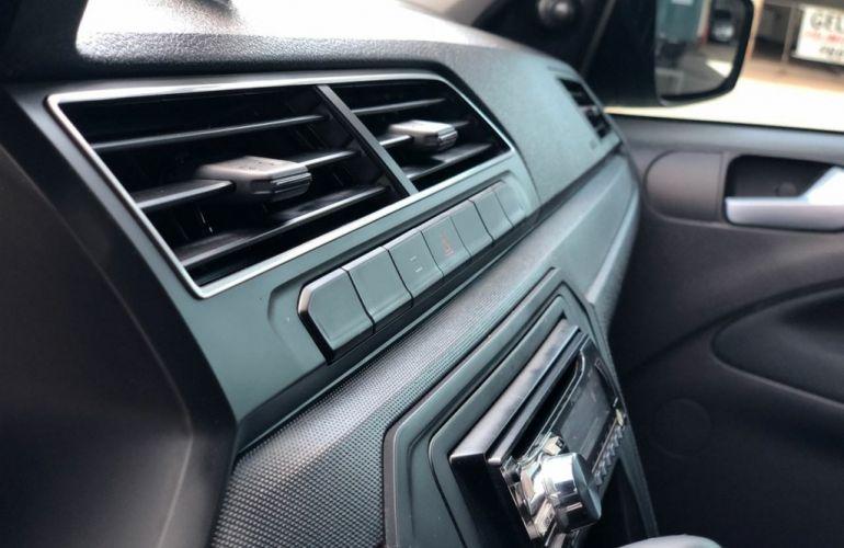 Volkswagen Fox Trendline 1.0 TEC (Flex) - Foto #9
