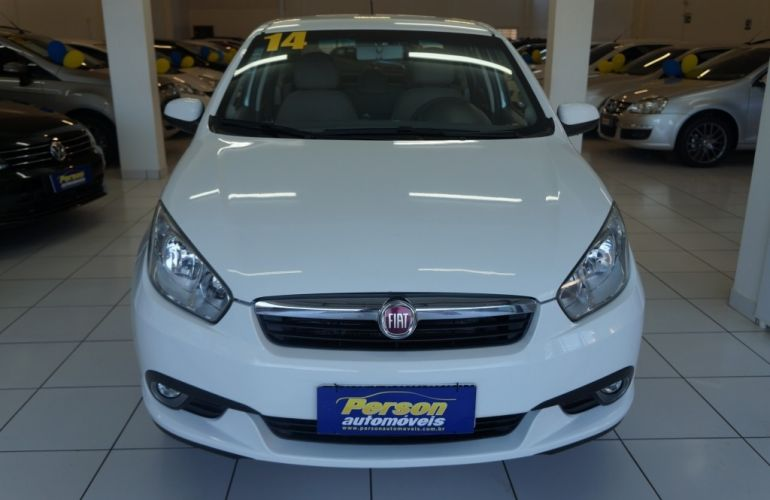Fiat Grand Siena Essence 1.6 16V (Flex) - Foto #2