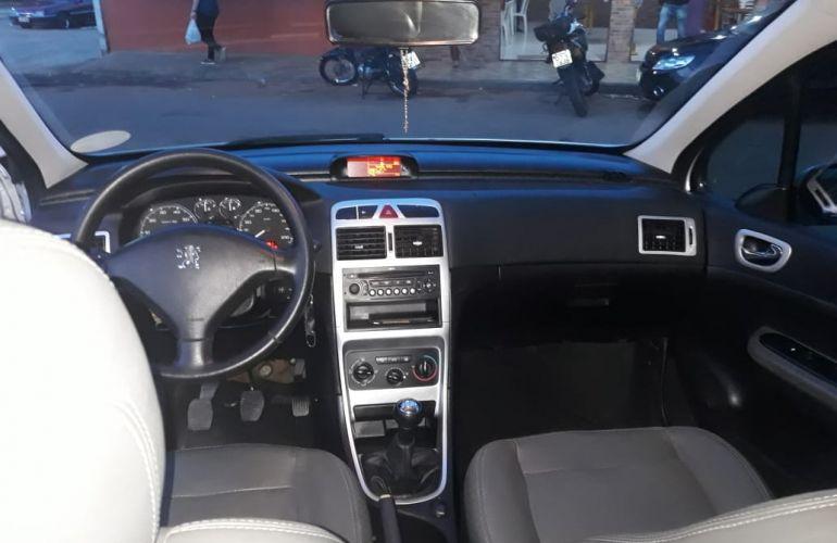 Peugeot 307 Sedan Presence Pack 1.6 16V (flex) - Foto #2