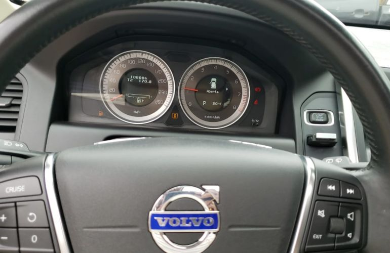 Volvo XC60 2.0 T5 Dynamic - Foto #9