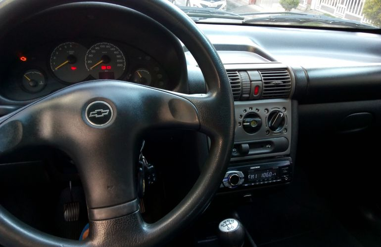 Chevrolet Corsa Sedan Joy 1.0 - Foto #2