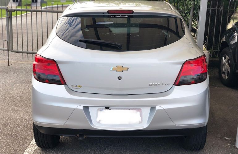 Chevrolet Onix 1.4 LTZ SPE/4 (Aut) - Foto #2